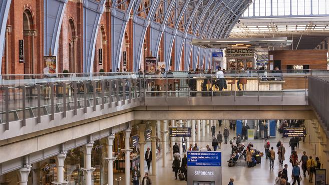 Adif presenta una APP para informar de los servicios de las estaciones y el tr�fico ferroviario